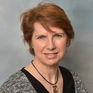 Ms Donna Pierz-Fennell