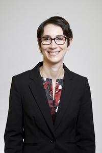 Dr Ellen Garland