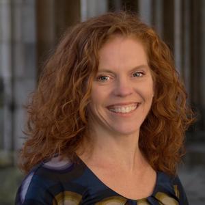 Dr Elizabeth Shively
