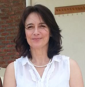 Dr Hazel Cameron