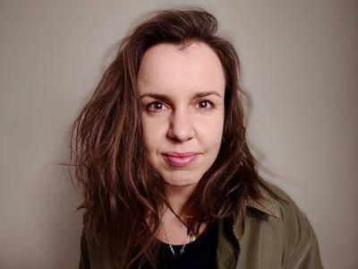 Dr Hana Jurikova