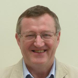 Dr Iain Henderson