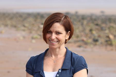 Dr Julie Oswald