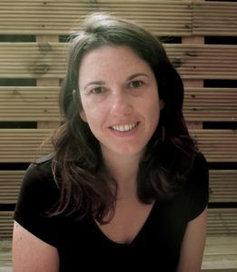 Dr Kristen Harkness