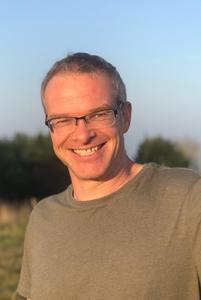 Dr Lars Boehme