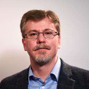 Dr Michael Lyons