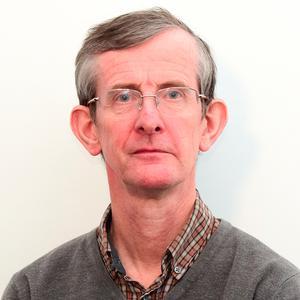 Dr R Alan Aitken
