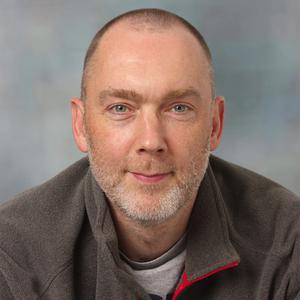Dr Stuart MacNeill